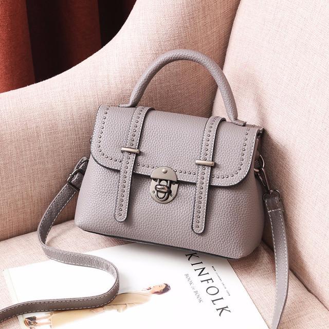 Мини сумочка через плечо серый