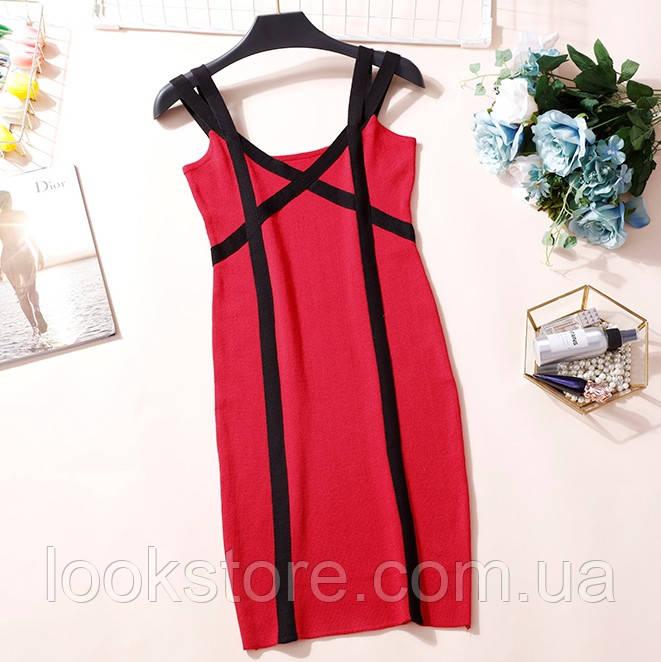Женское трикотажное платье на бретелях красное