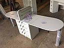 Широкий маникюрный стол на два рабочих места с полочками для лаков, фото 2
