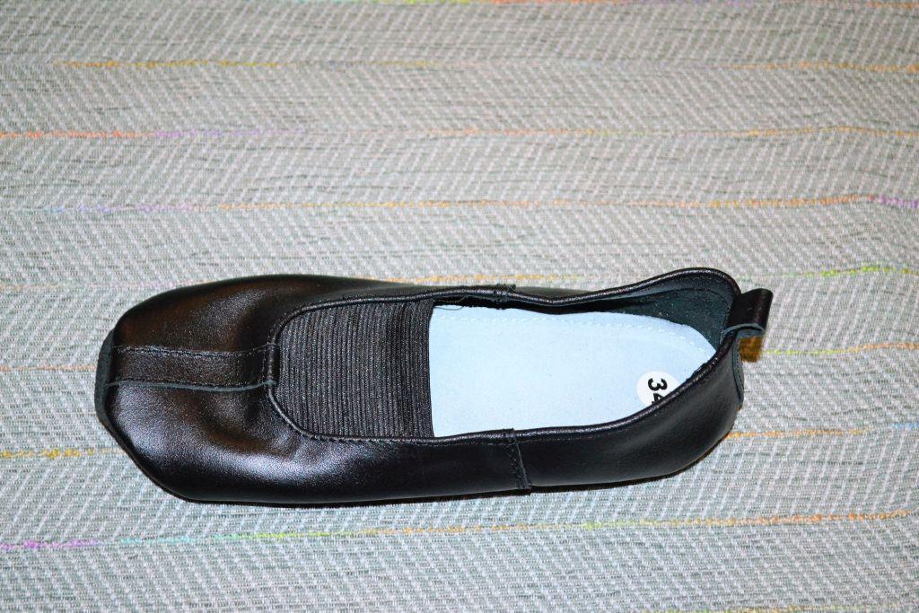 Чешки черные кожаные, EVA размер 25 26 27 28 29 30 31 32 33 34