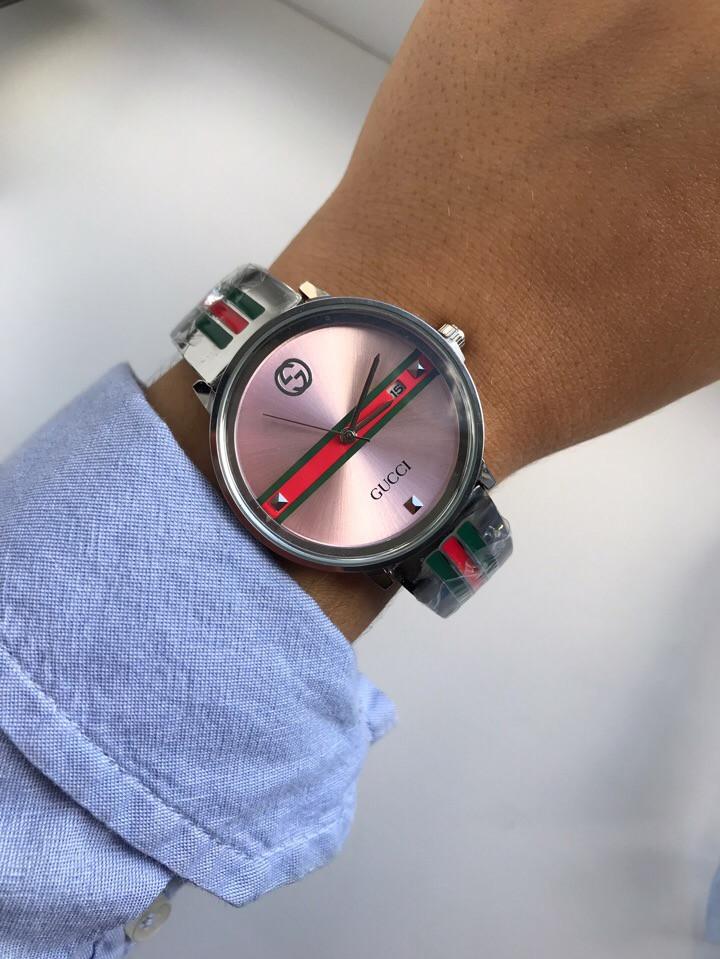 Красивые женские часы