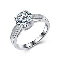 Классическое серебряное кольцо с белыми камнями