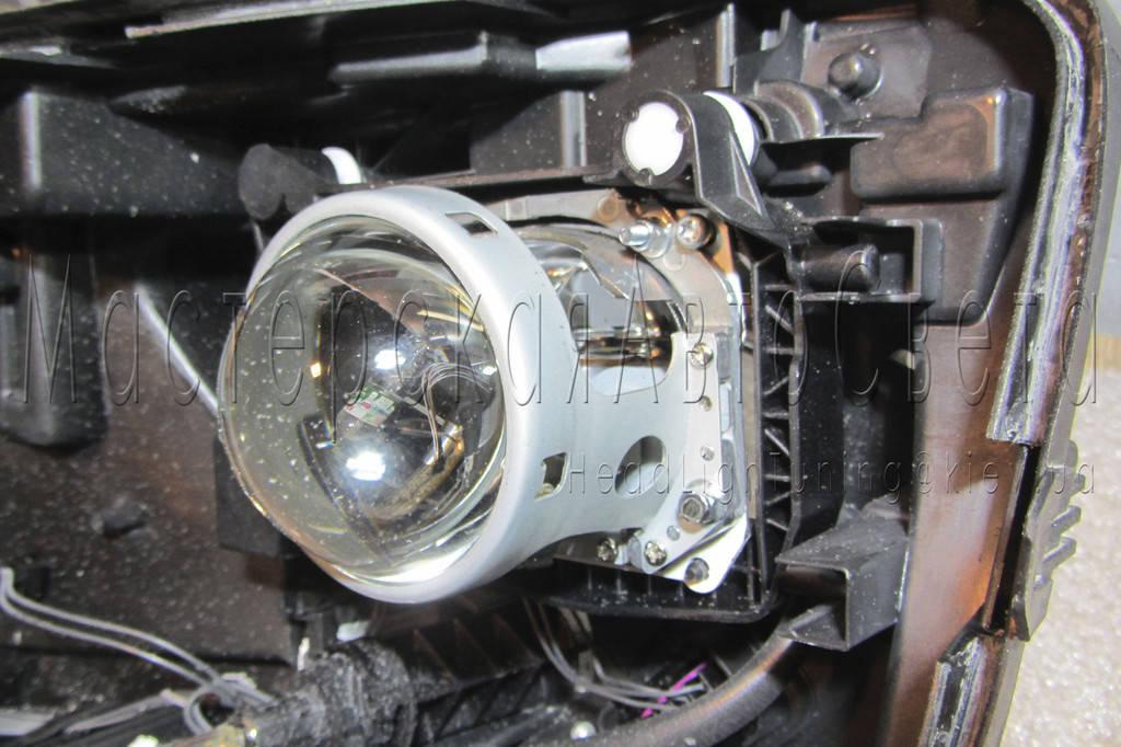 Volkswagen Amarok - замена линз на светодиодные Bi-LED линзы Hella Professional