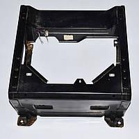 Тумба водительского сиденья MERCEDES VITO W638