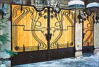 Ворота деревянные с элементами ковки