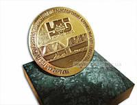 Медаль на подставке