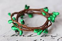 Декоративная веточка с тычинками изумрудного цвета, фото 1