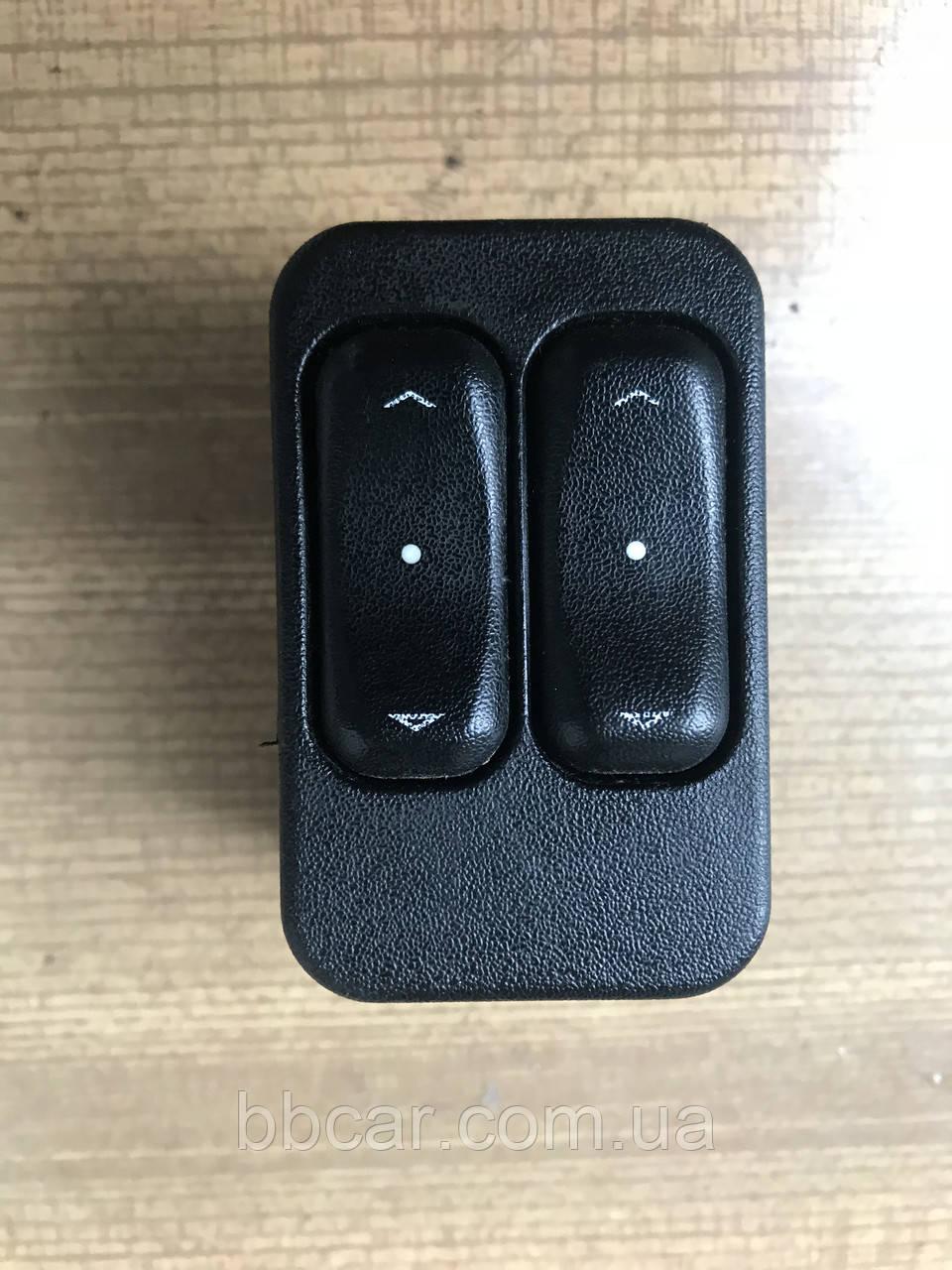 Кнопка стеклоподъемника Opel Astra G   GM 90561088
