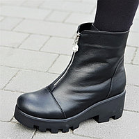 Женские зимние ботильоны ботинки на платформе на тракторной подошве натуральная кожа черные (Код: 1311), фото 1