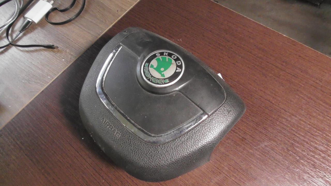 3T0880201B  Подушка в руль