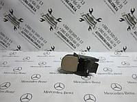 Правый подстаканник MERCEDES-BENZ W163 ml-class (A1636800458)