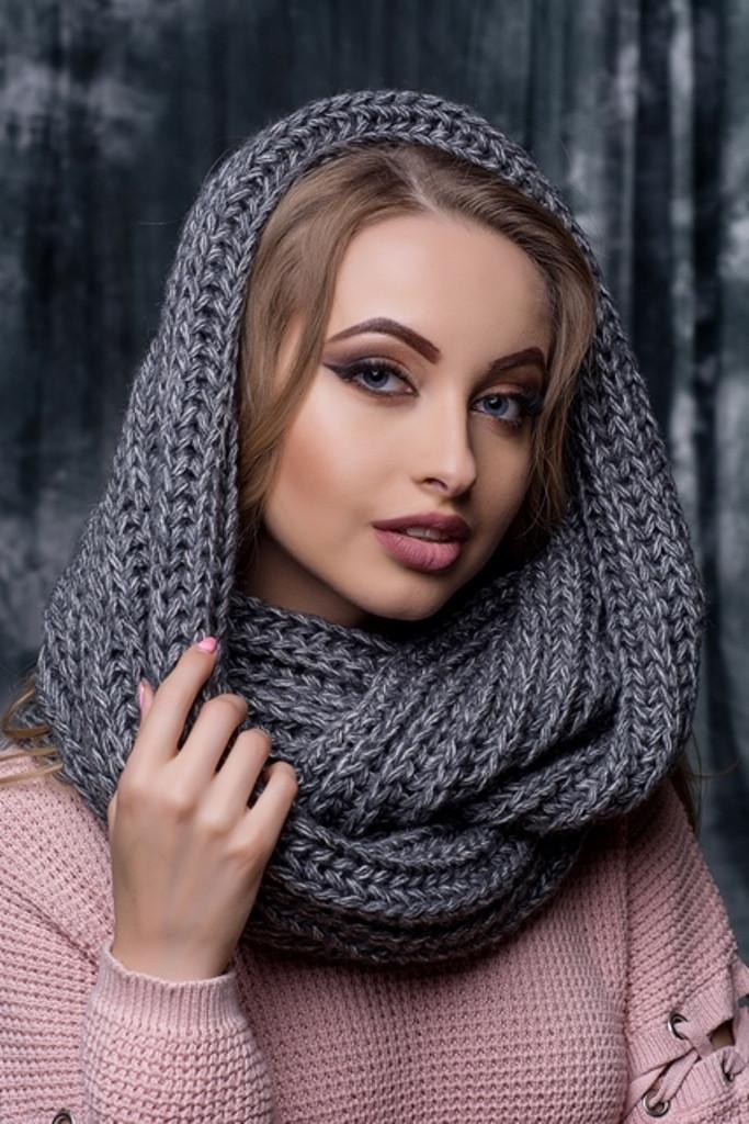 Женский вязаный снуд / хомут / шарф Hilary, светло-синий