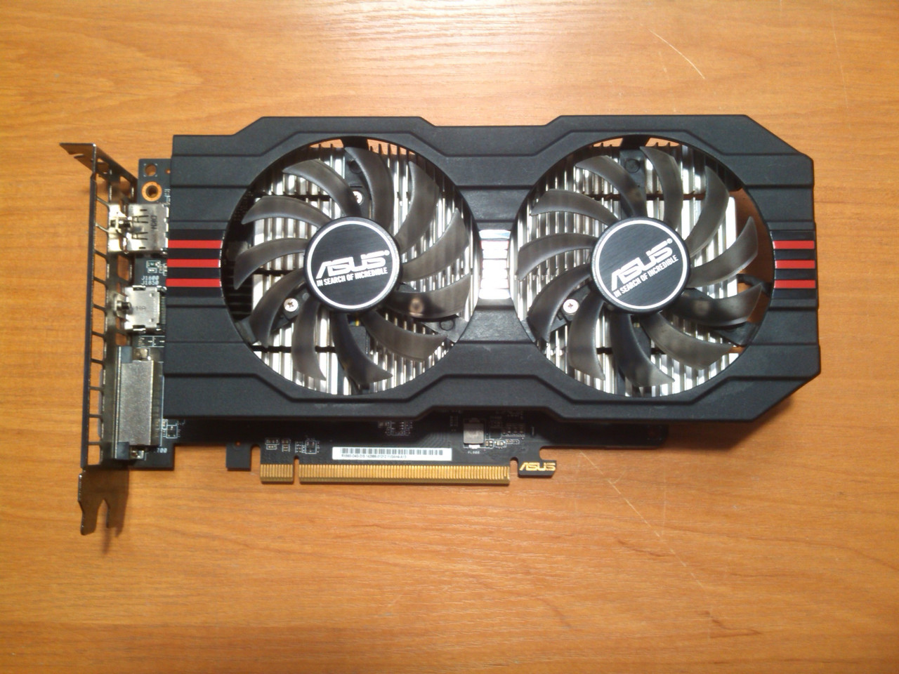 Asus RX560 OC 4GB 128bit GDDR5 HDMI PCI-E Гарантія 26 місяців!