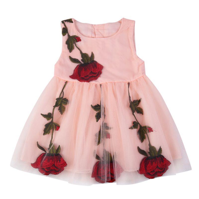 Платье с вышитыми розами размер 92.