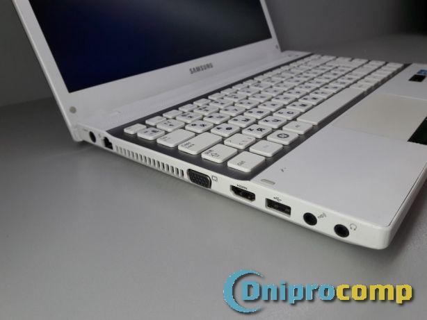 Ноутбук SAMSUNG NP300V3A i3-2330M/4/160 - Class A-