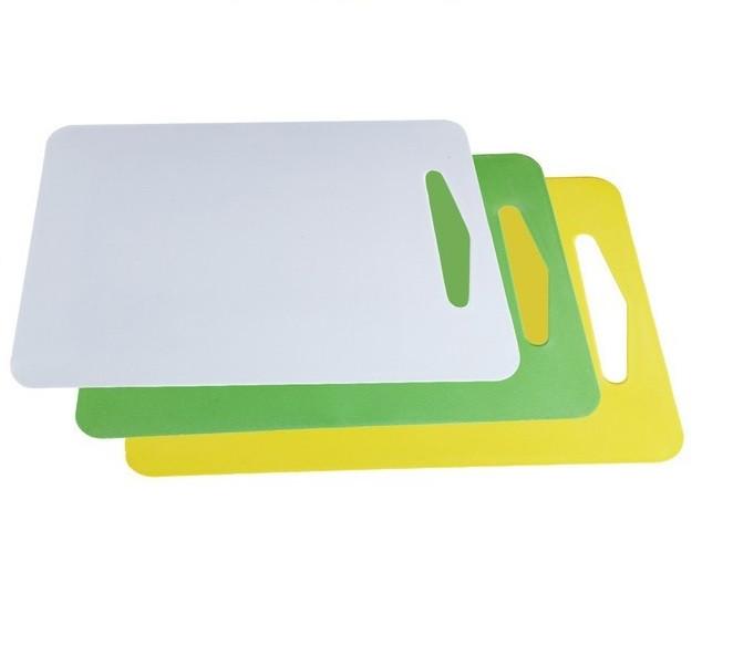 Доска разделочная пластиковая прямоугольная. Цвет - бежевый