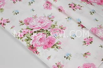 """Сатин  """" Большие розовые розы """"  на белом  фоне № 160-07 с"""