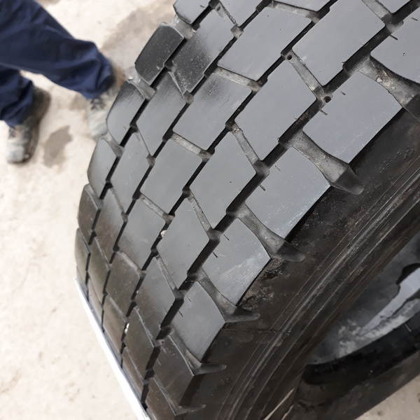 Шины б.у. 225.75.r17.5 Michelin XDE2 Мишлен. Резина бу для грузовиков и автобусов