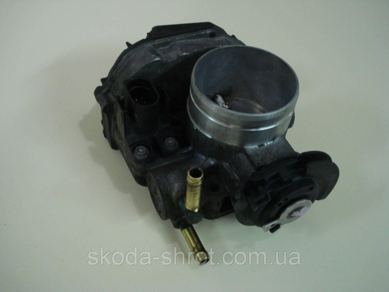 Дроссельная заслонка двигателя  AGU 1,8Т   20V