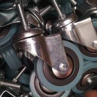 Колесо мебельное поворотное, резиновое с резьбовым штифтом M10 (сер).