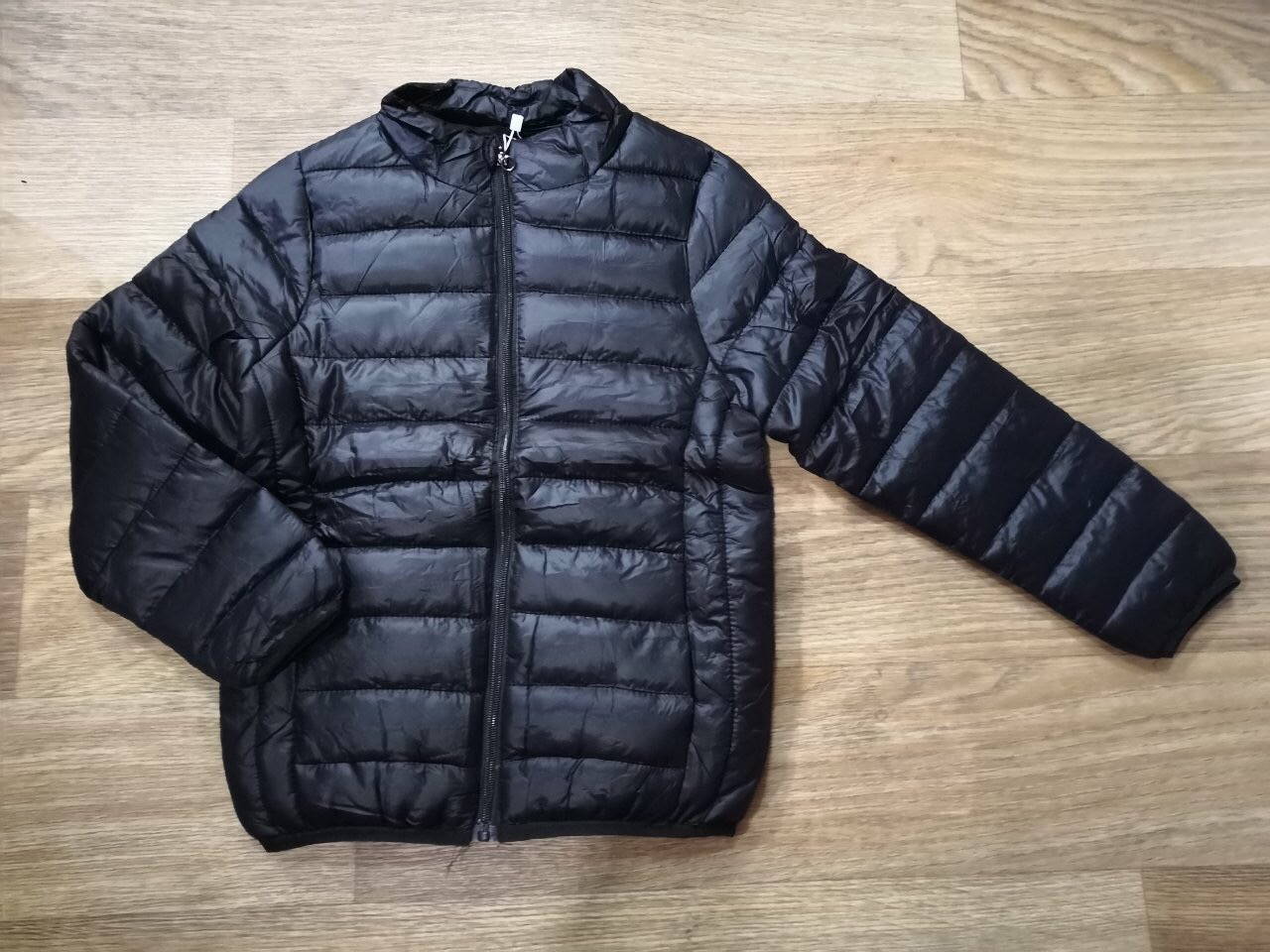 Куртка демисезонная на мальчика цвет черный 104-110 см