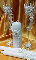 Весільні бокали та свічки