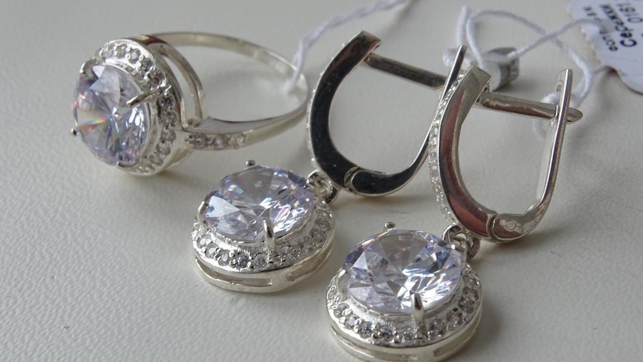 Серебряные серьги с белым фианитом
