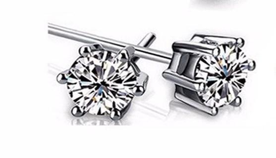 Серебряные серьги гвоздики Страсть с белым сверкающим камнем стерлинговое серебро 925 проба куб цирконий