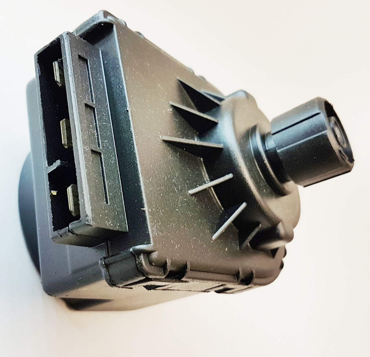 997147 Электропривод  трехходового клапана для Baxi, Ariston, Sime, Immergas, Hermann, Demrad. DO057