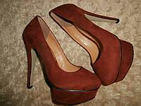 Женские коричневые замшевые туфли на каблуке