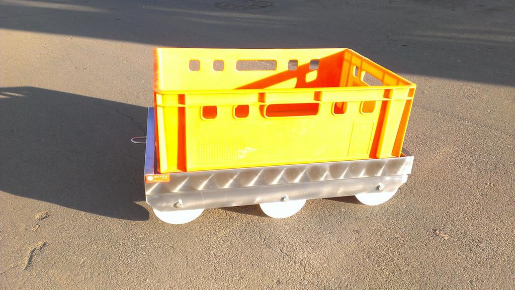 Тележка для перевозки ящиков