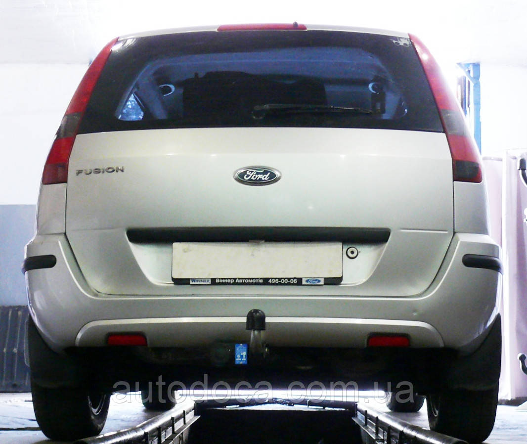 Фаркоп Ford Fusion  с установкой! Киев