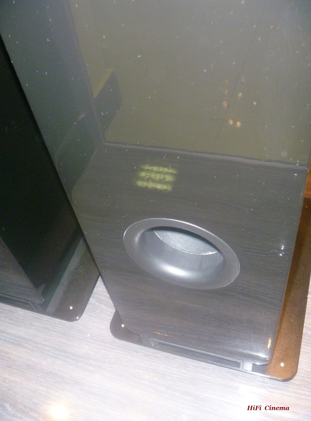 Q Acoustics 2050i High Gloss Black Hi-Fi Cinema bassreflex