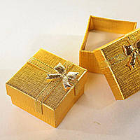 Подарочная коробочка для украшений маленькая 24 шт. золотая [5/5/4 см]