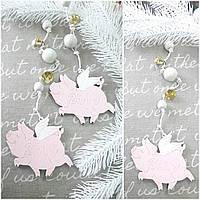 """Новогоднее украшение на елку """"Свинка с крылышками"""", дерево, выс. 40-45 см., 40/30 (цена за 1 шт. + 10 гр.)"""