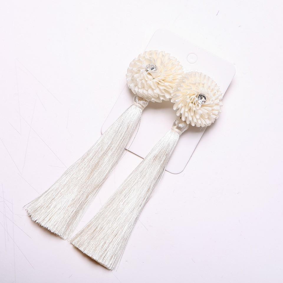 Серьги Кисти с цветком молочно белые d-32мм L-120мм