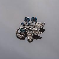 """Брошь """"Веточка с ягодами"""" 3см под """"капельное серебро"""" с синими кристаллами"""