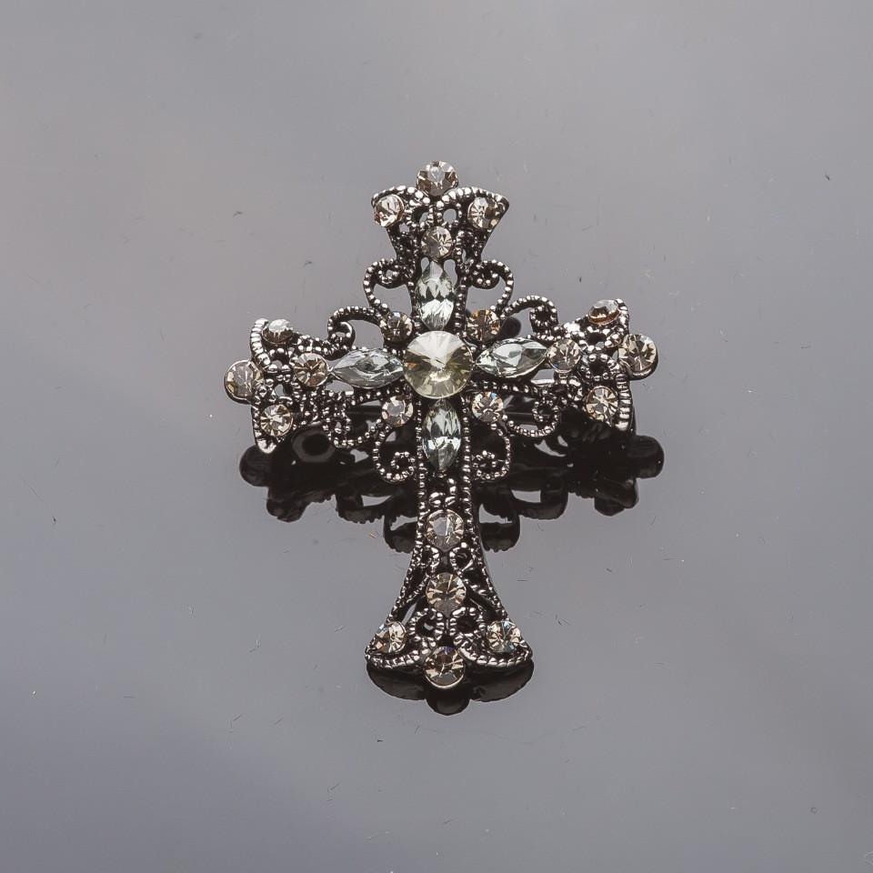Брошь серебристая Крест в стразах 3,5*4см