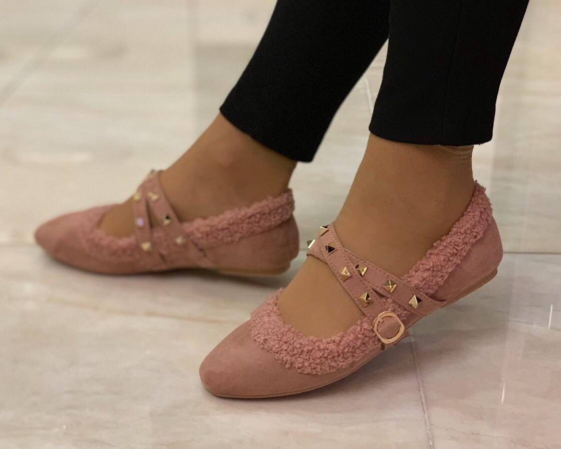 Молодежные женские туфли