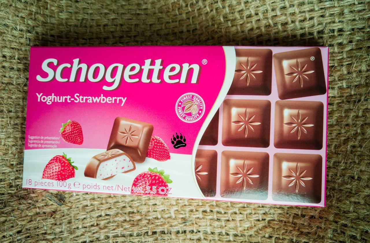 Шоколад Schogetten Yoghurt Strawberry 100 gramm