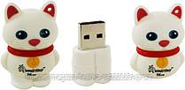 Флешка-игрушка Smartbuy Catty 16 gb USB 2.0 белый коленок