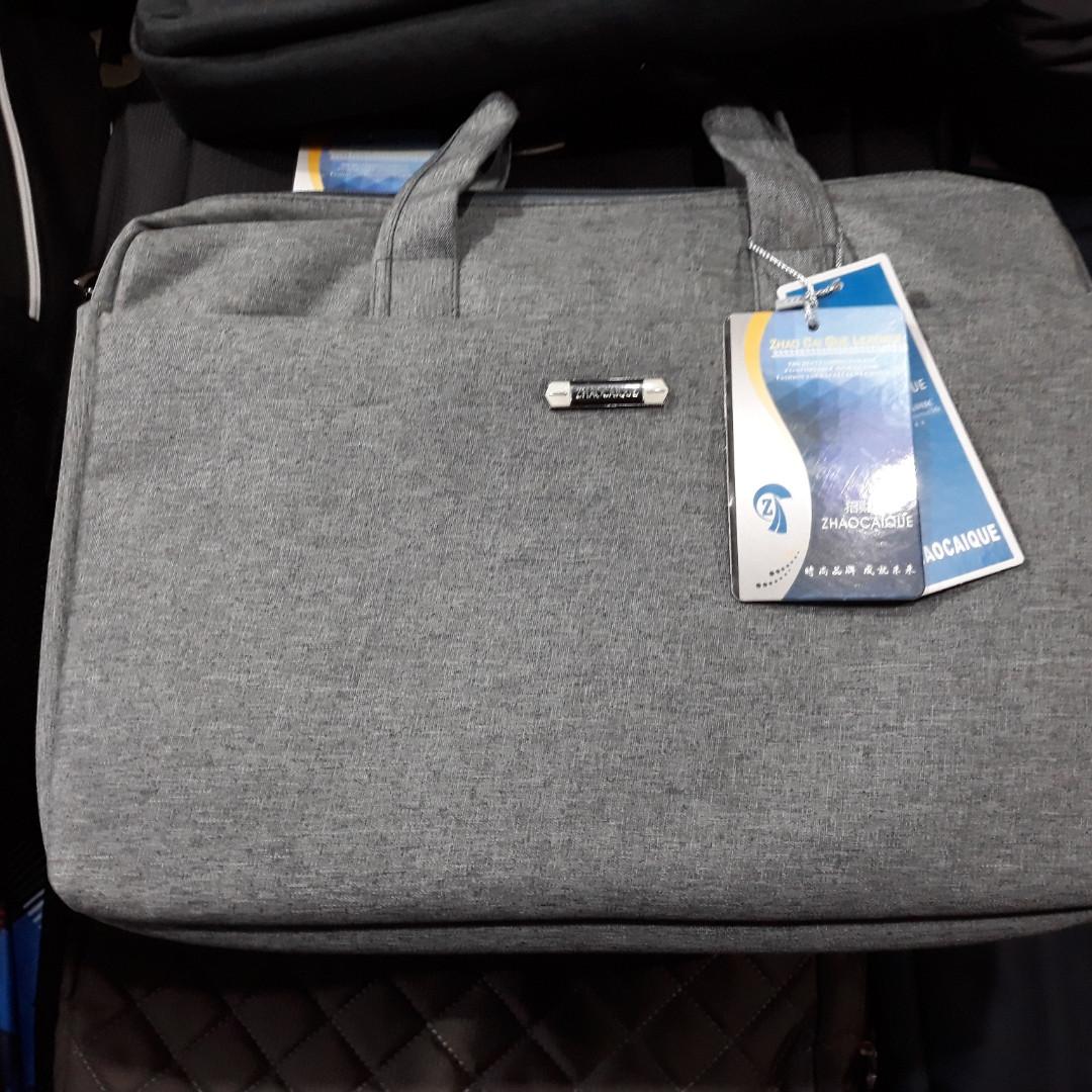 7aabd125dd33 Красивая, сумка под ноутбук (15 дюймов) и документы. Практичная, стильная  модель ...