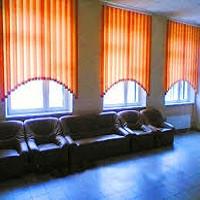 Установка Вертикальных жалюзи в холле гостиницы
