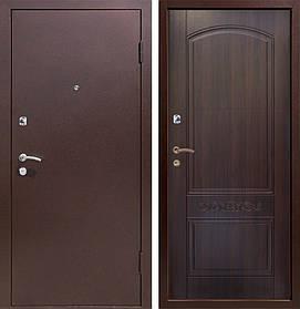 Уличные металлические входные двери Каприз металл/МДФ в дом