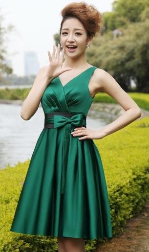 Женское платье. Нарядное платье с необычным кроем. Размер и цвет любой.