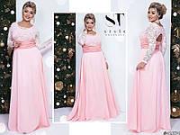 Ошатне ніжно-рожеве жіноче батальне видовжене верх плаття з гіпюру з брошкою. Арт-7677/65