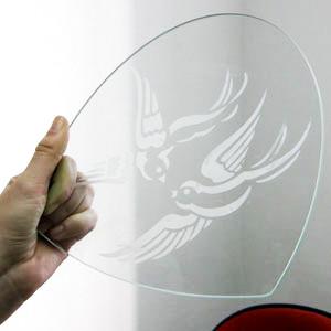 Матирующая паста Альтимат Про на стекле