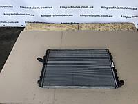 Радиатор основной Volkswagen Passat B6  2.0TDI