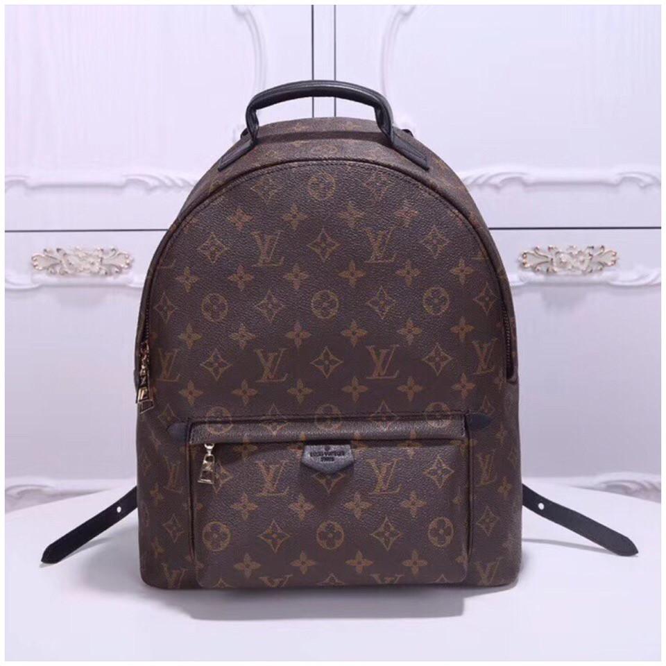 cc6f6245e0ba Рюкзак Луи Витон Louis Vuitton канва Monogram, большой, кожаная реплика -  Annashop.com
