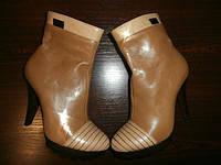 Ботинки женские на высоком  каблуке